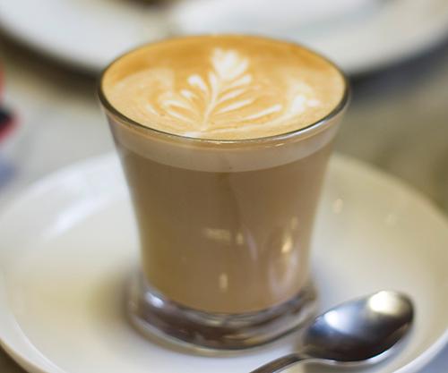 Cómo Preparar Un Café Latte Profesional En Casa